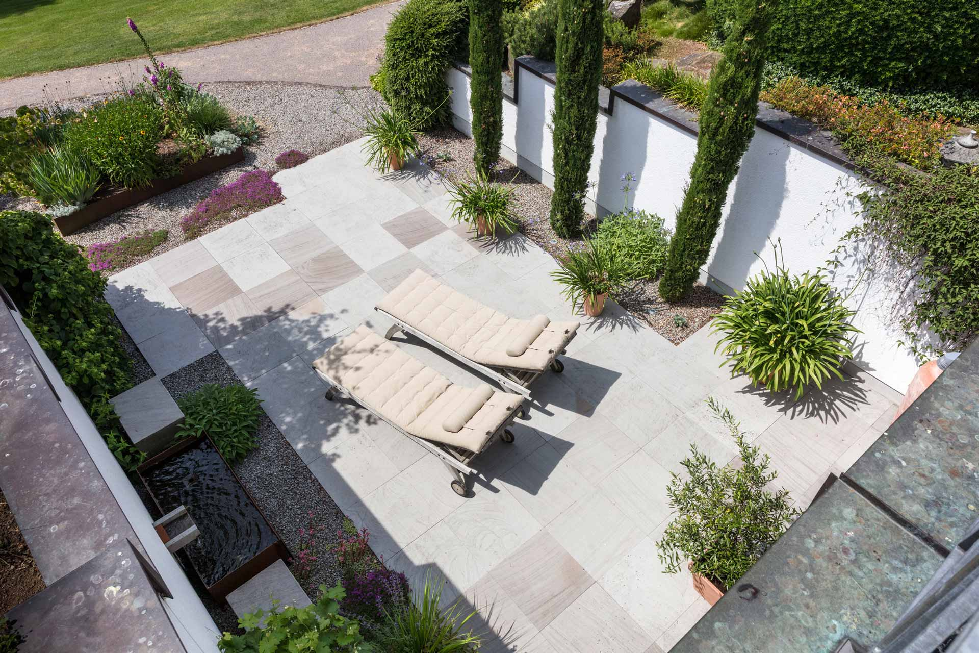 Wilmes Gartenbau und Landschaftsbau. Seit 1947 Ihr Ansprechpartner für Pflege, Planung und Gestaltung von Grünanlagen.